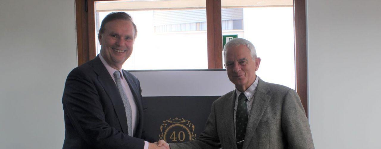 La AHS firma un acuerdo comercial con la empresa Arévalo