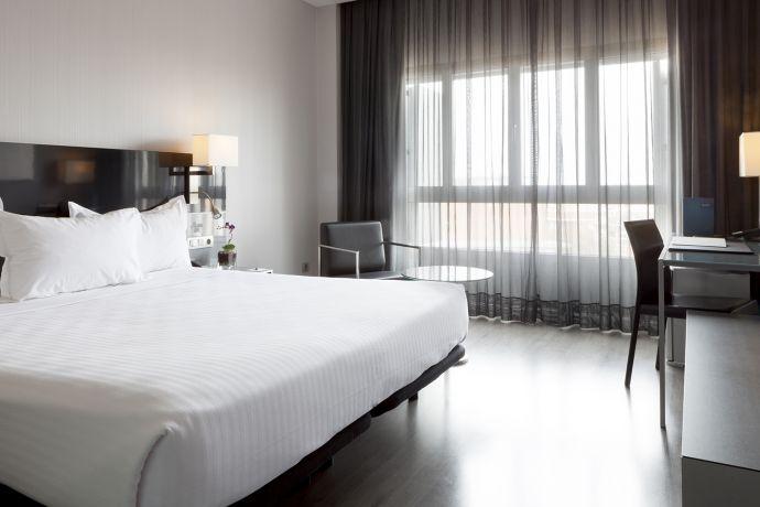 Habitación AC cama king AC Sevilla Torneo