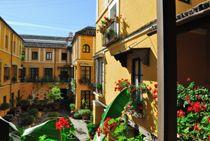 Corral de las Flores - Palacio de los Zuñiga - Hotel Las Casas de la Juderia