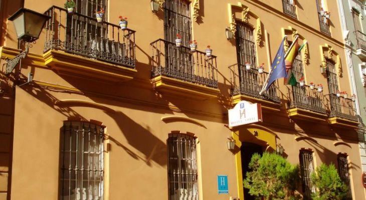 Fachada Hotel Abril Sevilla