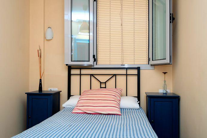 Habitación Individual. Baño compartido