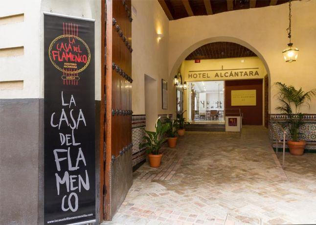 Entrada hotel y flamenco