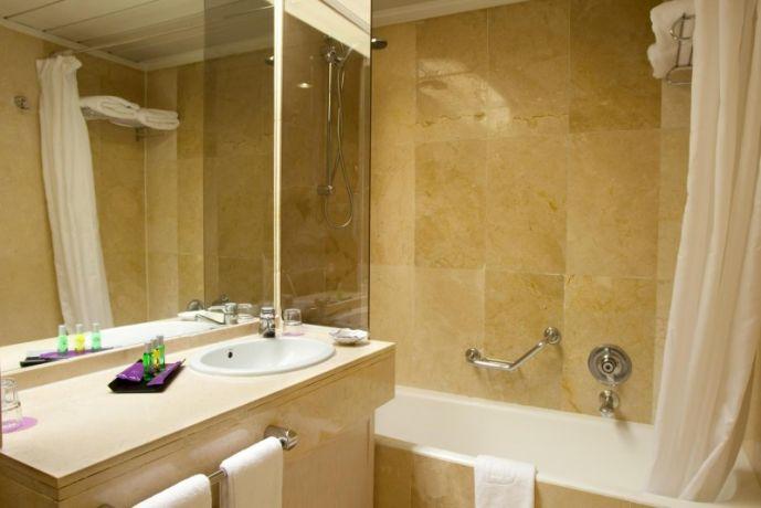 Baño habitación estandar