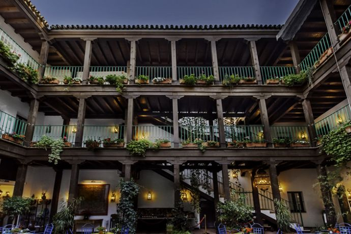 Balcones del patio exterior